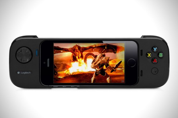 Logitech-Powershell-iPhone-Game-Controller-1