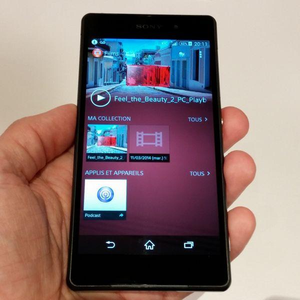 Sony Xperia Z2 en main