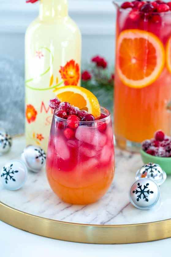 Tropical Cranberry Sangria | Summer drink recipes and ideas