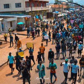 Young Nigerians at end SARS protests