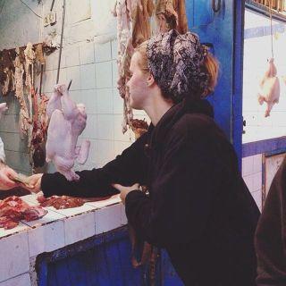 Marokko 2014: Kip kopen voor in de tajine