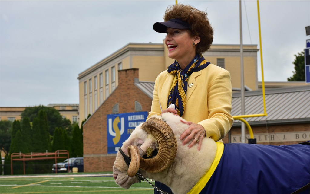 University President Dr. Mary J.C. Hendrix and JC the Ram welcome students back to campus