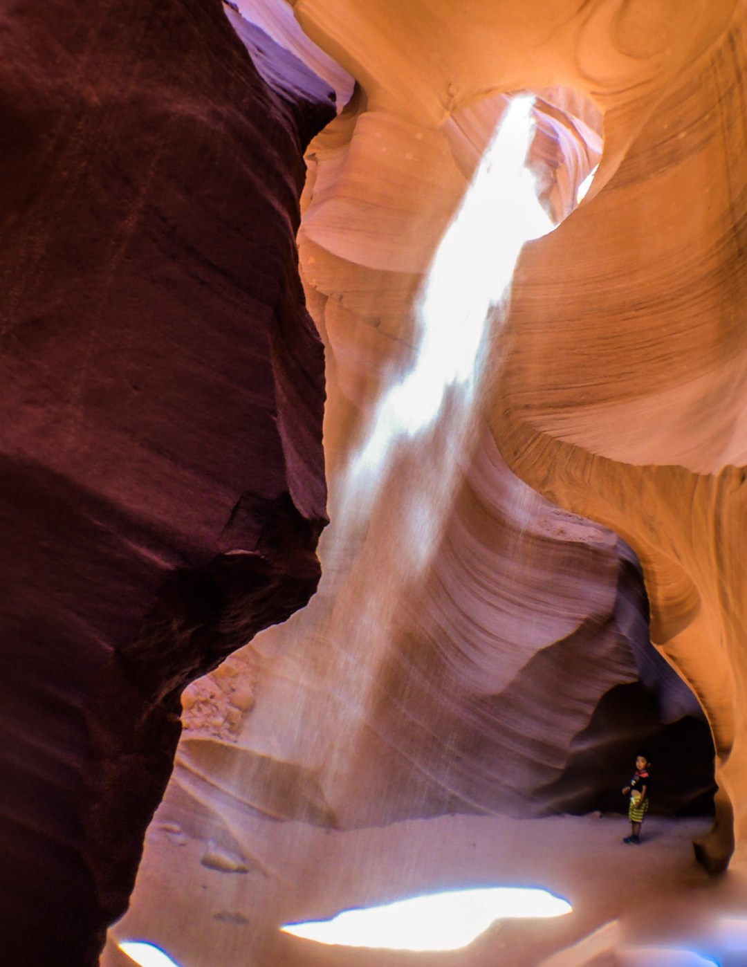 Sun-Beams-in-Lower-Antelope-Canyon