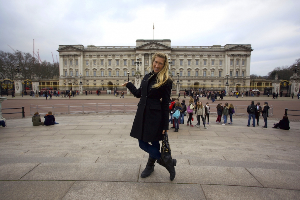 Buckingham-Palace-10-London-Spots-Not-To-Miss2-1024x683