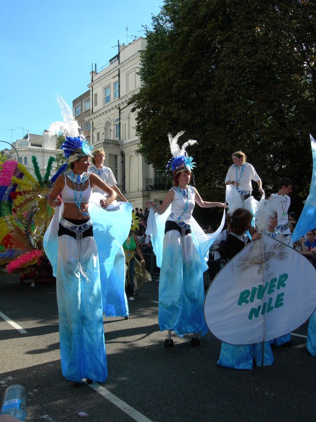 notting-hill-carnival-we-are-travel-girls-4