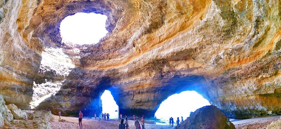 d2-p1-sea-caves-benagil