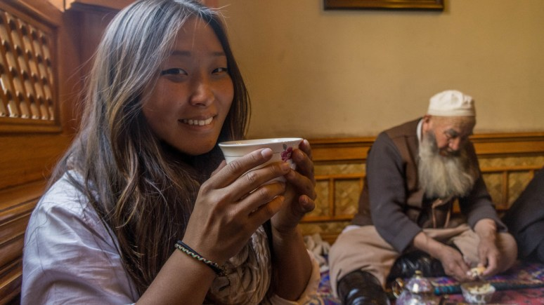 silk-road-we-are-travel-girls-8