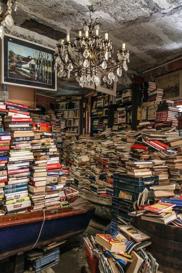 Libreria-Acqua-Alta4