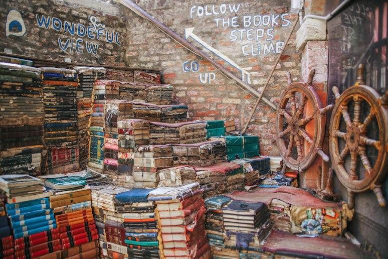 Libreria-Acqua-Alta8