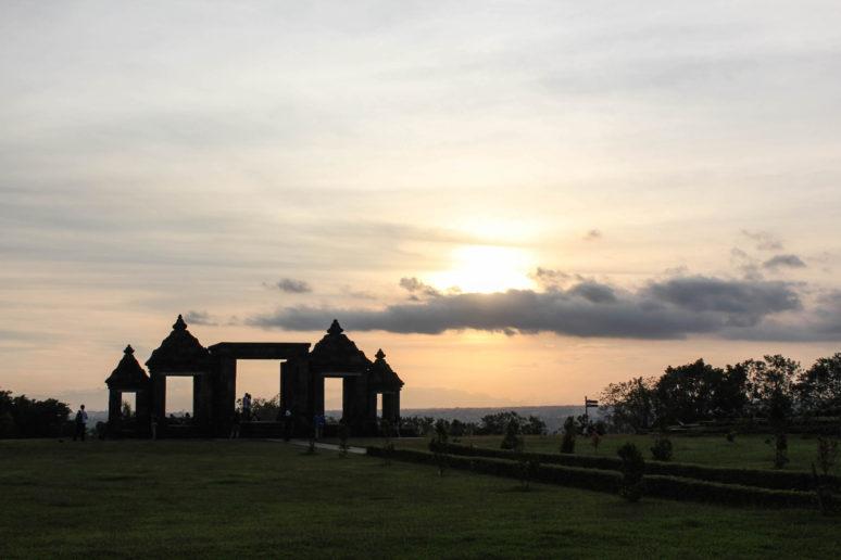 5 Places to see in Yogyakarta, Indonesia 6Ratu-Boko-Yogyakarta-Indonesia