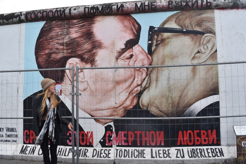 Solo-travel-berlin-wall