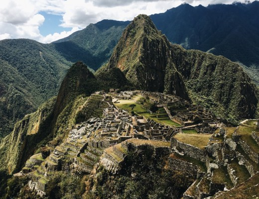 ASCENDING THE RUINS & DEVOURING THE FOODS OF THE SACRED VALLEY, PERU