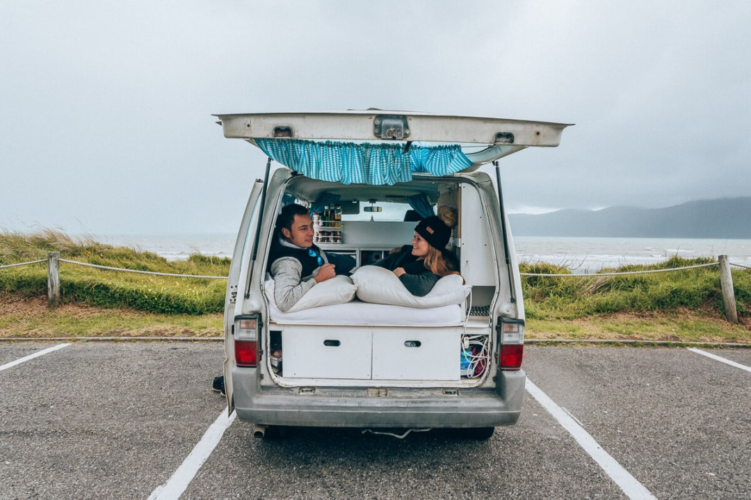 10 Best Tips To Survive The Van Life As A Couple