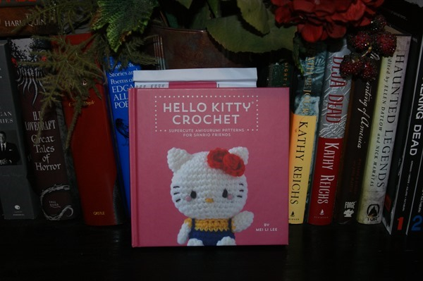 Hello Kitty Crochet: Supercute Amigurumi Patterns for Sanrio Friends by Mei Li Lee