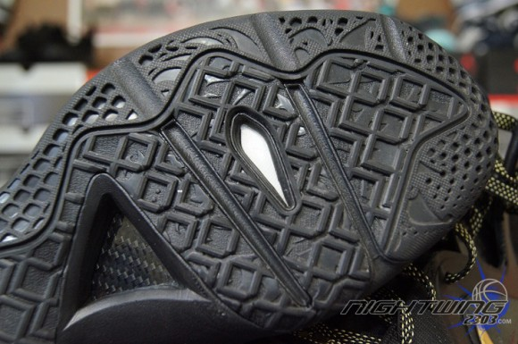 super popular acba9 cec28 Nike-LeBron-9-Elite-P.S.-Performance-Review-1