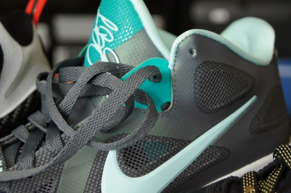 watch d4f34 1805a Nike-LeBron-9-Low-Performance-Review-5