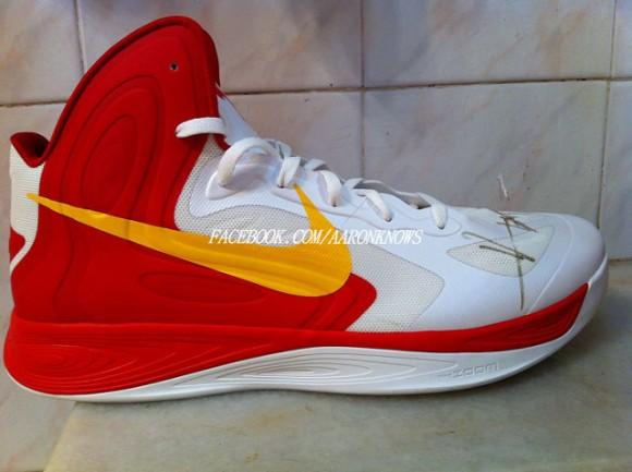 Nike Zoom Hyperfuse 2012  China  – Yi Jianlian Autographed PE ... e22502c7a