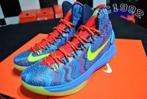 b8f7da7ab0d0 Nike-KD-V-(5)- Christmas -Detailed-Look-6 - WearTesters