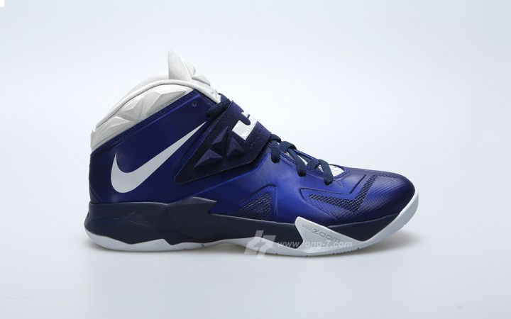Nike Zoom Soldier VII Deep Royal Pure Platinum - Medium Navy - Detailed  Look 1 9c4ed7a211
