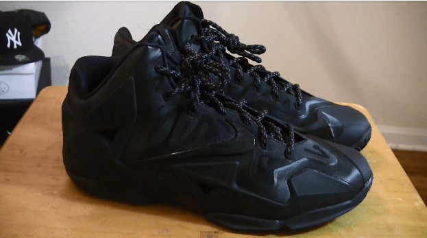 buy popular 4fdfb e1396 VIDEO  Nike LeBron 11 iD  Blackout  - WearTesters