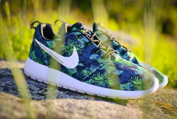 best service e39fd 7f707 Nike Roshe Run  Green Palm Trees  - First ...