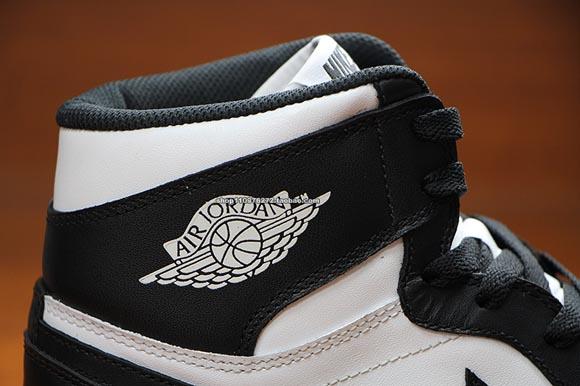 7037c73017a663 Air Jordan 1 Retro High OG Black  White - Detailed Images - WearTesters