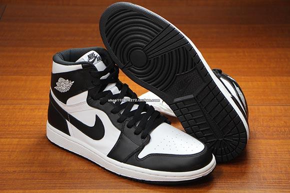 76b7347498e8ef Air Jordan 1 Retro High OG Black White - Detailed Images 5 - WearTesters