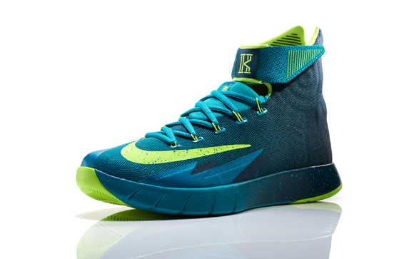 top fashion ea771 1e4c9 Nike Zoom HyperRev Kyrie Irving PE - Detailed Look + Release Info 7