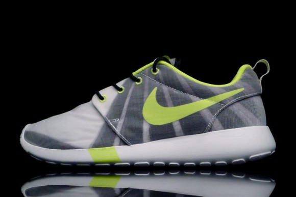 Women's Nike Roshe Run FV - Release Info 1