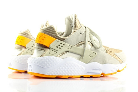 cheap for discount cb1c0 45ed0 ... Nike Air Huarache  Sandy Beach  - Now Available 3