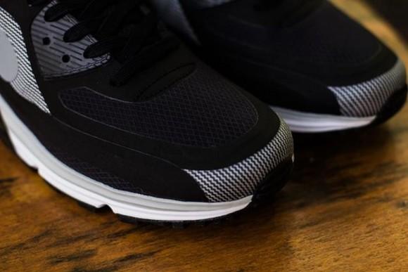 18c1ae0745d7 Nike Air Max Lunar90 Water Resistant 6 - WearTesters