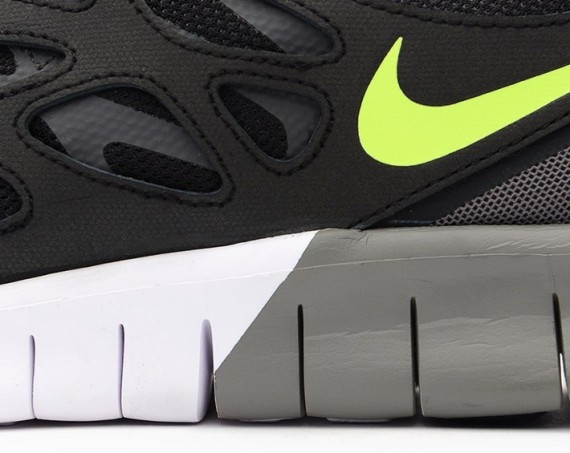 b57d1500303f Nike Free Run 2 EXT Black Volt 4 - WearTesters