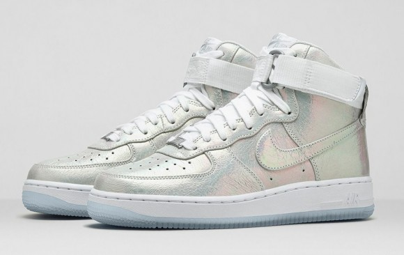sale retailer 02fde cd994 WMNS Air Force 1 Iridescent Pearl Collection