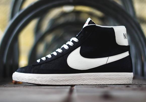 Nike Blazer Mid Premium Vintage Black  White - WearTesters 250a9cb18