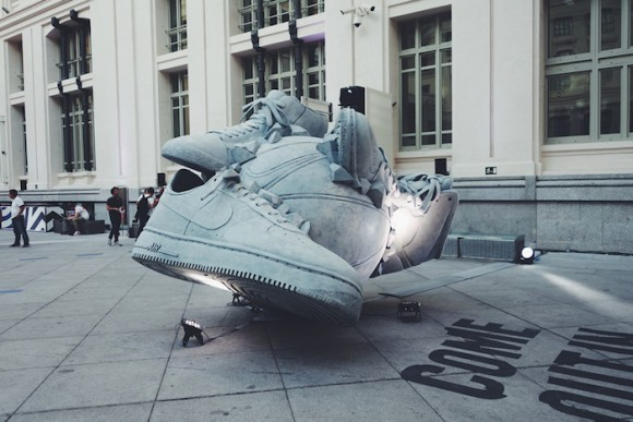 nike-sneakerball-sculpture-2