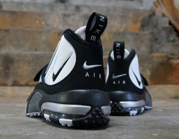 7c0893651d24 Nike-Air-Max-Pro-Streak-White-Black-Silver-4 - WearTesters