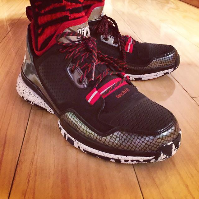 innovative design 8bce3 23470 adidas D Lillard 1 Away - Release Info + On-Feet ...