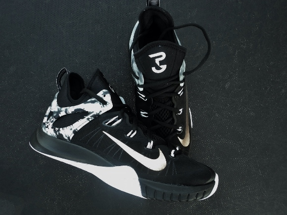 on sale 1b9b1 5d870 Finally giving us a full length Zoom shoe last year with the Zoom HyperRev,  Nike scaled back for the 2015 version. Be upset if you want, or enjoy the  new ...