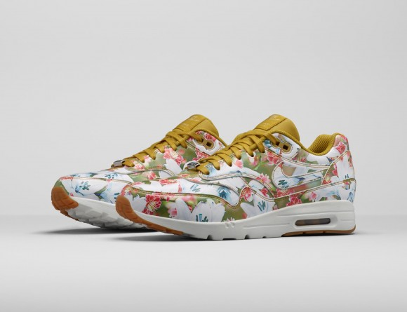 sneakers for cheap 35398 5f000 Nike Air Max 1 Ultra In Bloom