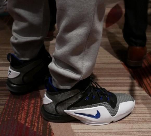 online retailer 24f0e e972e Kicks On Court  Nike ...