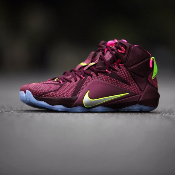 detailed look 8a945 92808 Performance Deals  Nike LeBron 12 - WearTesters