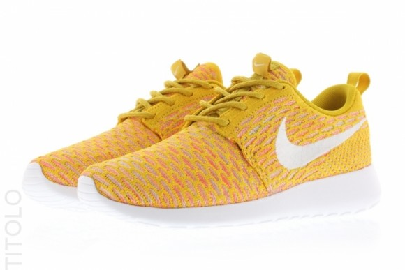 wholesale dealer b59ac 8189d ... Nike Flyknit Roshe Run  Gold Lead  2