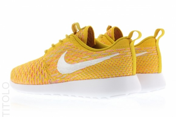 uk availability 9e848 99545 france 670x447x5pointz nikep20roshep20nmp20flyknitp20prmp2027curry a5b4e  6fb5a  sale nike flyknit roshe run gold lead 9a6a4 6c5d6