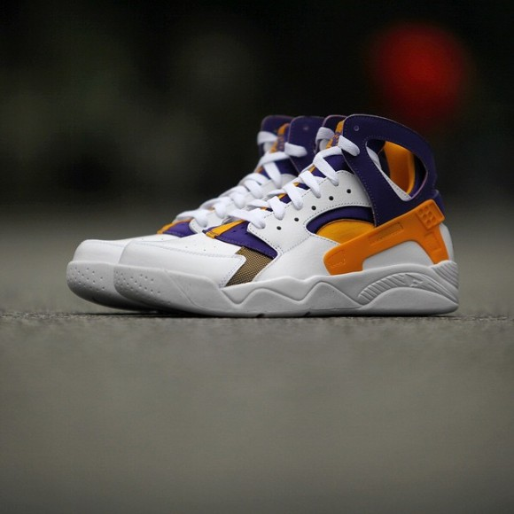 1d6159887f4 This Kobe Bryant PE of the Nike Air Flight Huarache is set to ...