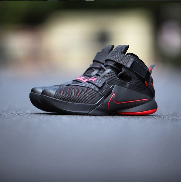 the best attitude e3d5f ff22f Detailed Look At The Nike Zoom Soldier IX (9) In Black Red .
