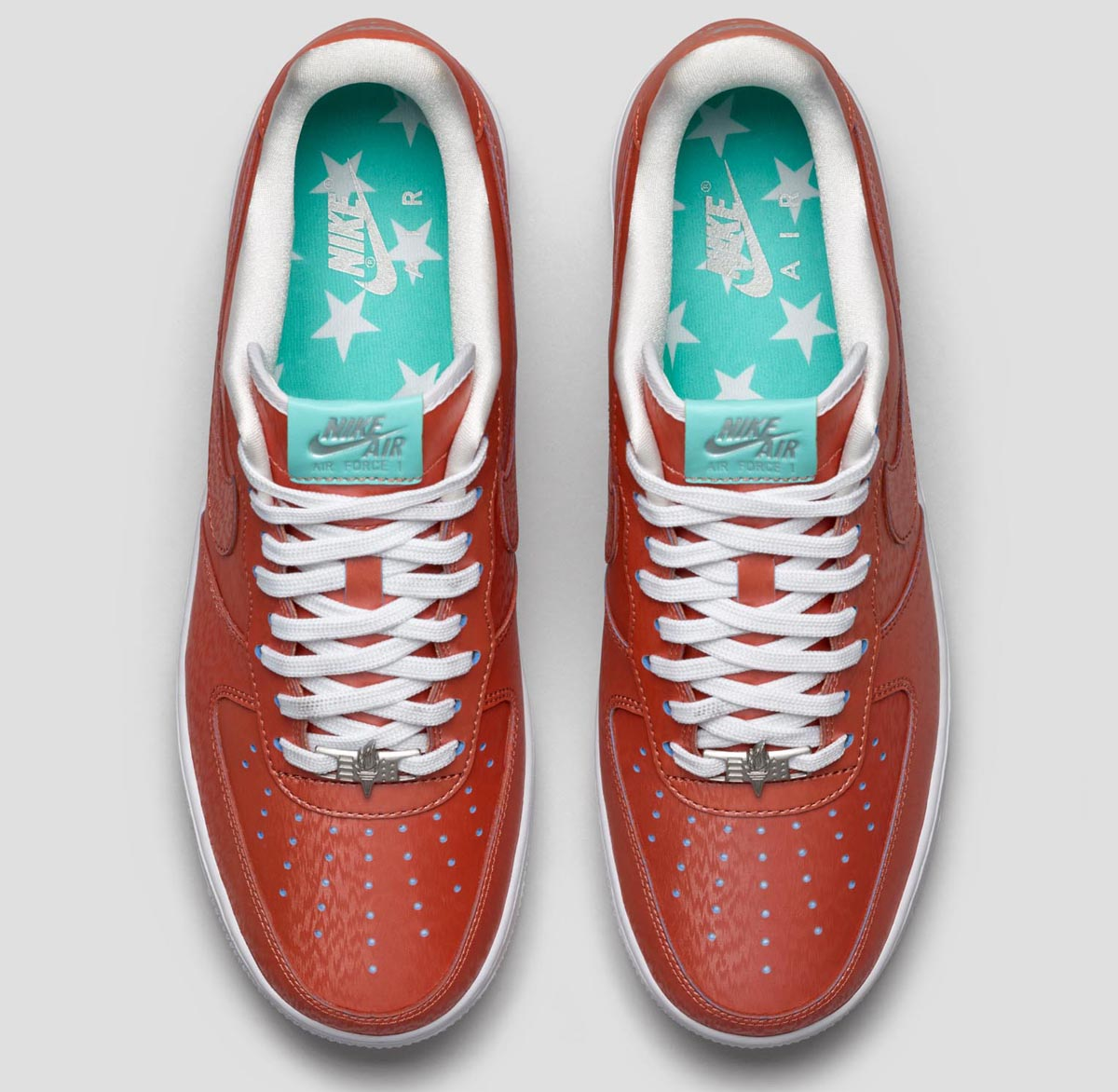 d515b5affda32e Heat Activated Color-Shifts Highlights the Nike Air Force 1  Statue ...