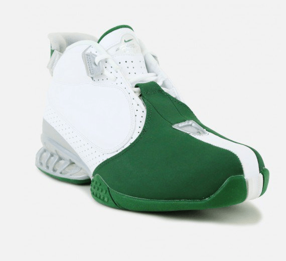 9028bd79fb9f The Nike Air Zoom Vick 2  Jets  Has Arrived - WearTesters