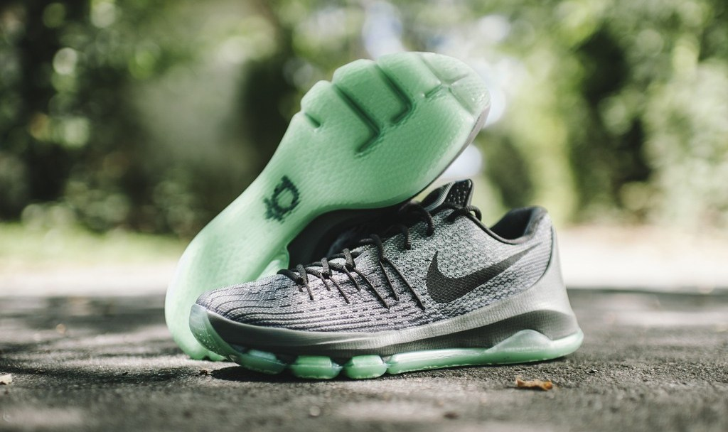 d12946bccea8 The Nike KD 8  Hunt s Hill Night  Dropped at Retailers Today ...