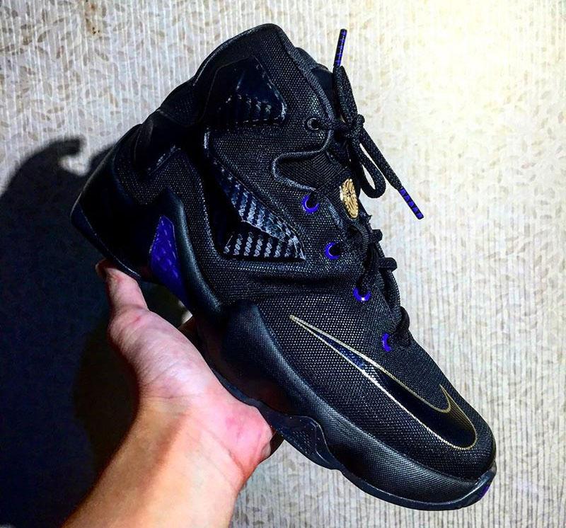 f85725ab810 Nike LeBron 13 dunkman purple black Nike LeBron 13 dunkman purple black gold