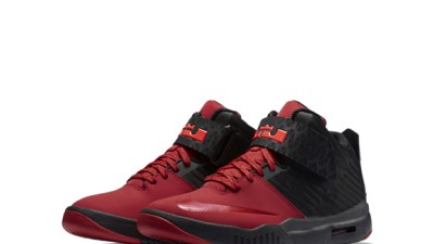 buy online 0642b 19de9 Check out The Nike Air Akronite in Black  Red